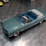1966 buick wildccat cabriolet 1:24 MODEL KIT built retro old model